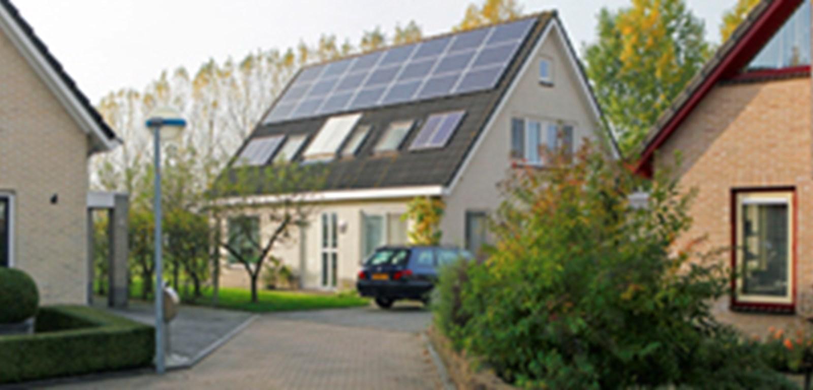 Veel zonnepaneelinstallaties aangemeld via www.energieleveren.nl